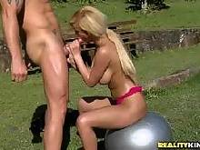 Ball play. Roge Ferro Carol Castro